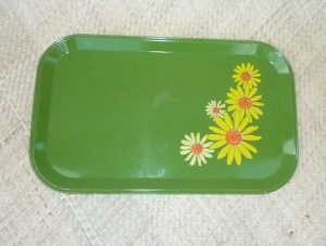 1960_s_metal_picnic_trays