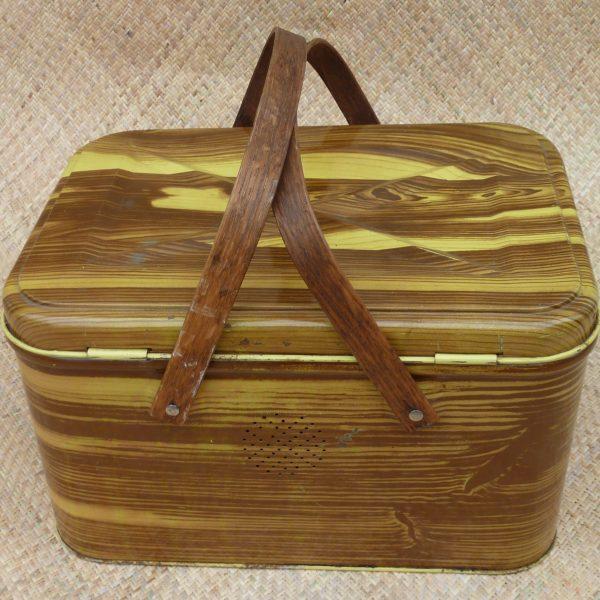 vintage_wood_effect_picnic_basketcu1; vintage_wood_effect_picnic_basketcu2;  vintage_wood_effect_picnic_basketcu3; vintage_wood_effect_picnic_basketcu4
