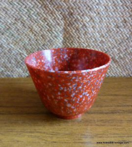1940_s_bakelite_red_speckled_cup
