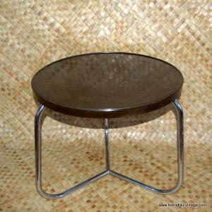 1940's Brown Bakelite Round Table 1