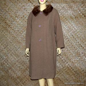 1960's Ladies Brown Fur Collared Coat 1