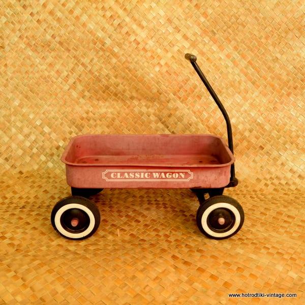 Vintage Classic Wagon Red Metal Wagon 1