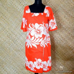 e358c6e78049c 1960's Ladies Vintage Hawaiian Surf Red & White Dress 1