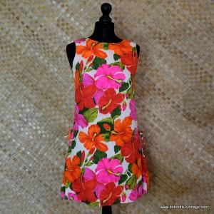 6bc90c0c62a22 1960's Ladies Vintage Pacific Isle Pink & Orange Hawaiian Dress 1