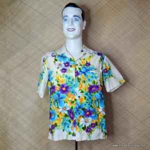 700f96400 1960's Vintage Mens 'Kimo's' Cream Floral Hawaiian Shirt