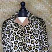 1960's Vintage Ladies Amazing Leopaard Faux Fur Cape 3